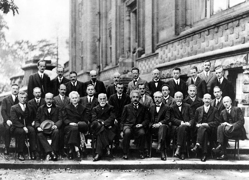 800px-Solvay_conference_1927.jpg